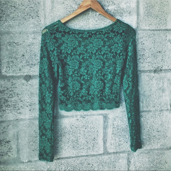 a584bfdb97137 Forever 21 Tops - Emerald Green Lace Long Sleeve Crop Top